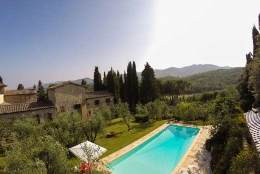 Fonte Petrini - The pool enjoys magnificent views