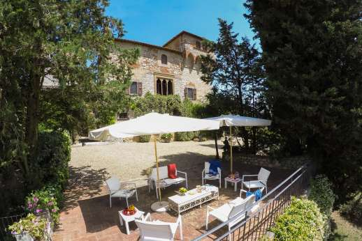Fonte Petrini - It sits on a hill top, surrounded by the estate's lands enjoying uninterrupted views of the Valdarno