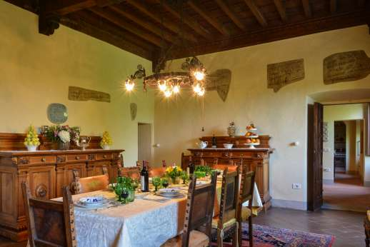 Fonte Petrini - First floor dining room, hallway leading to kitchen