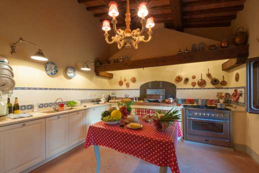 Fonte Petrini - First floor well equipped kitchen