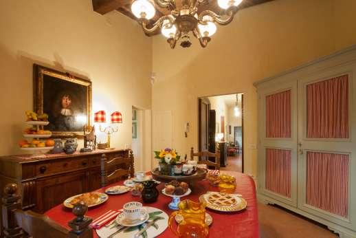 Fonte Petrini - Dining area in the kitchen