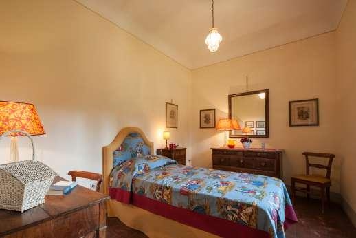 Fonte Petrini - Upper first floor single bedroom
