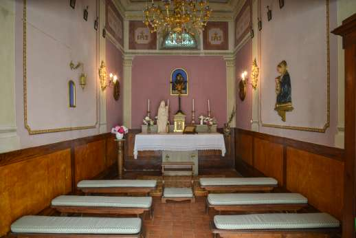 Fonte Petrini - The private chapel accessible from the ground floor