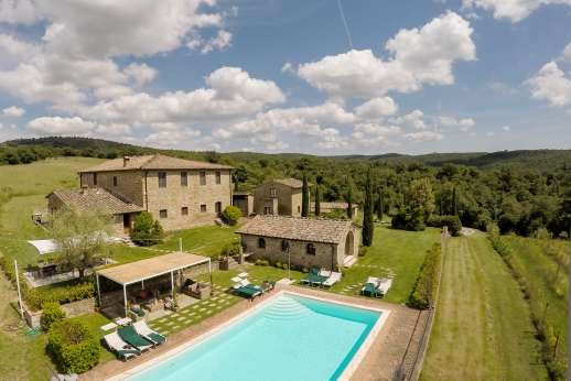 Borgo Gerlino - Set within a 0.5 hectare/1 acre fenced garden you have a stone-paved shaded area with al fresco dining table for 18 people, traditional barbecue and wood oven,