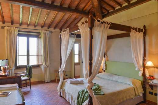 Borgo Gerlino - Another view of the bedroom