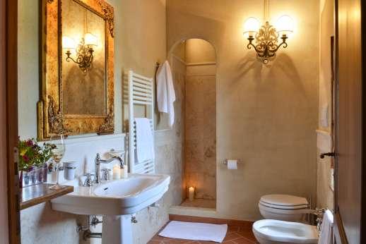 Borgo Gerlino - Ensuite bathroom with shower
