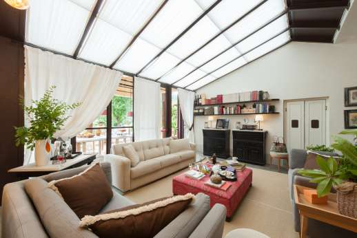Villa Albizi - Bright living room and dining area from which you can access the entertainment room