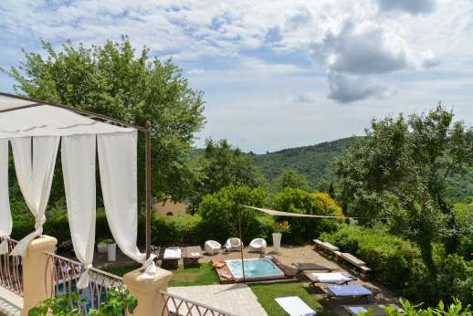 Villa Albizi - Hot tub by the pool and view from the terrace