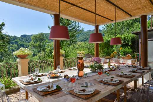 Villa Albizi - The shaded dining loggia with access through to the sitting room