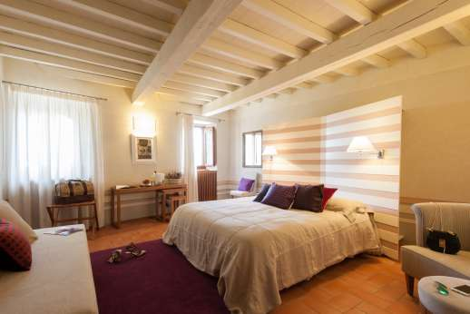 Villa Albizi - Air conditioned double bedroom
