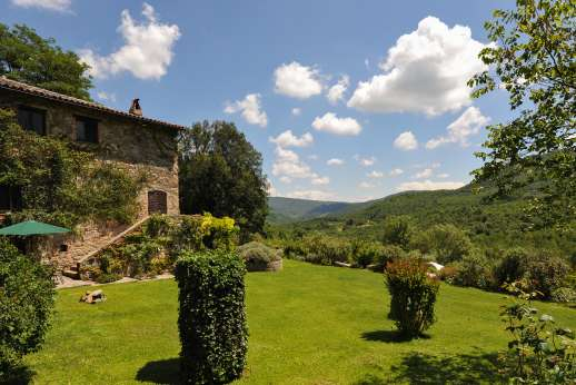 Podere Uccella - Amazing views from the garden