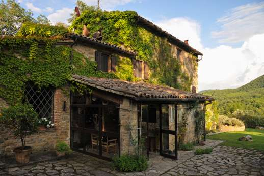 Podere Uccella - A beautiful old sone farmhouse