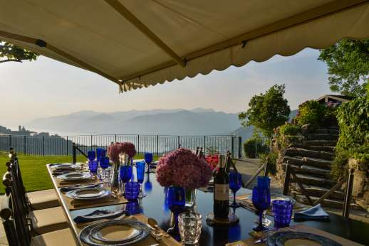 Bellaria - Outside dinging area with magical views over the coast