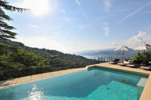 Bellaria - The infinity edged pool enjoys the surrounding views