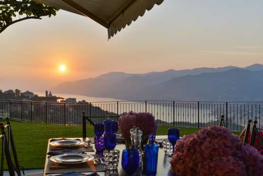 Bellaria - Enjoy your meals outside overlooking the bay