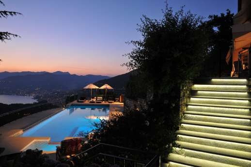 Bellaria - The pool leading up to the house is illuminated making it easy to walk around by night