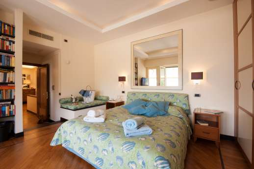 Bellaria - First floor air conditioned double bedroom two with access to terrace and with ensuite bathroom with two basins
