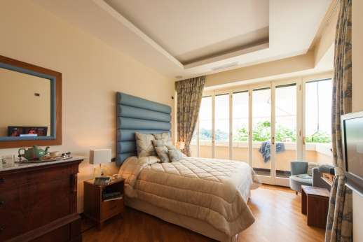 Bellaria - First floor air conditioned double bedroom three with access to terrace