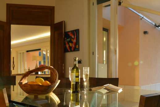 Bellaria - Dine and enjoy your stay at Bellaria with fine wine and foods