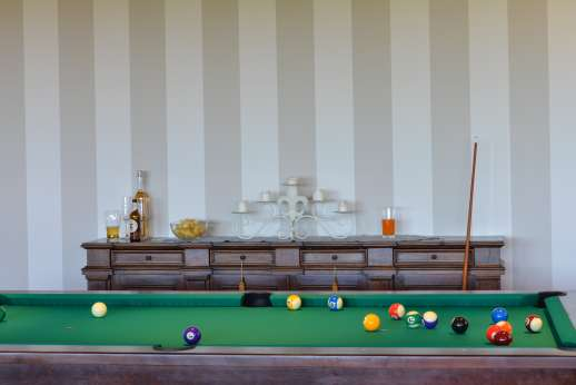 Weddings at Villa Ostignano - Billards table