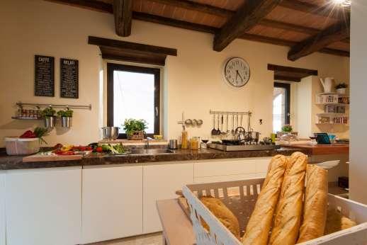 Poggiobuono - Open plan kitchen on the ground floor