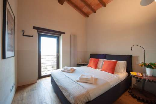Poggiobuono - First floor air conditioned double bedroom can be converted to twin
