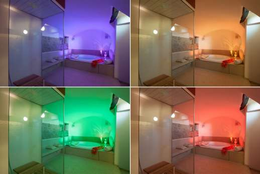 Podere Nuccioli - Chromo therapy bath changing colour
