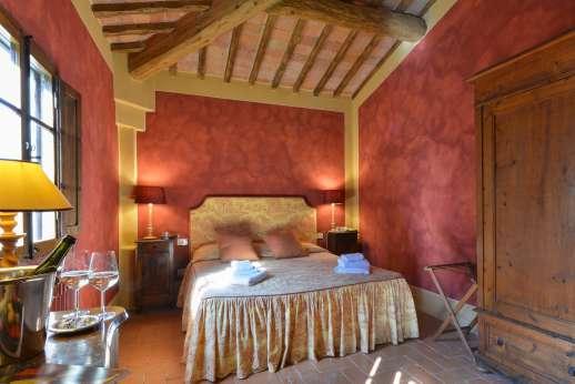 Poggio Ai Grilli - Air conditioned masted bedroom