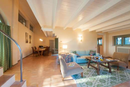 Poggio di Artemis - Sitting room leading upstairs