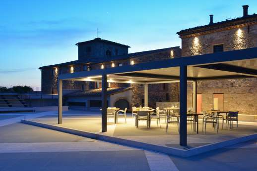 Poggio di Artemis - Within easy walking distance winery restaurant offering local specialities