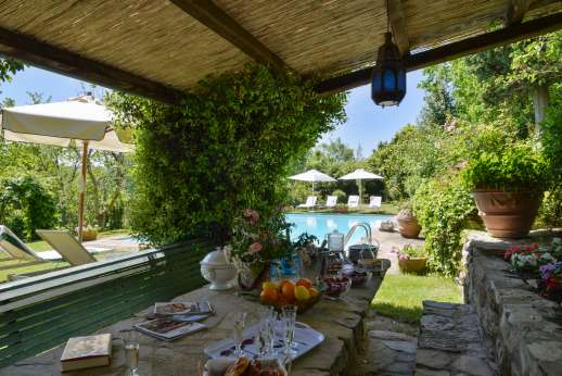 Montesassi - Peaceful feeling to this property and garden.