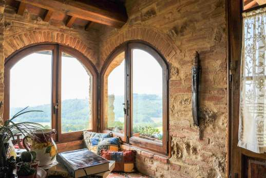 San Leolino - Sung reading corner on the first floor enjoys magnificent views
