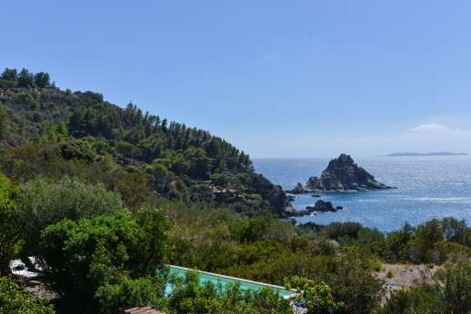 L'Agrumeto dell'Isola - View of the Isola Rossa, the red island, just on the south-west coast of Monte Argentario.