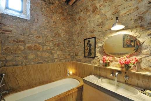 La Pergola di Montegiove - A bathroom.