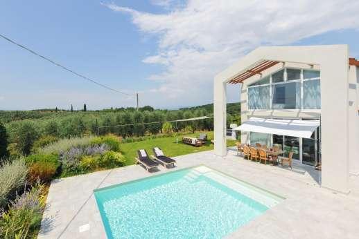 Villa Amerini - Villa Amerini, a contemporary villa in Tuscany