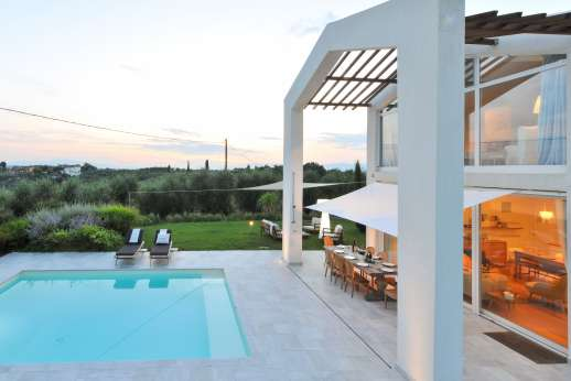 Villa Amerini - The swimming pool, 6 x 4m/20 x 13 feet