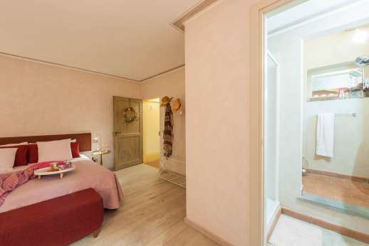 Villa Atena - Forestry first floor, air conditioned double bedroom with ensuite