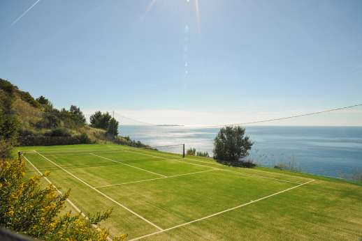 Spini Bianchi - Private Astroturf tennis court