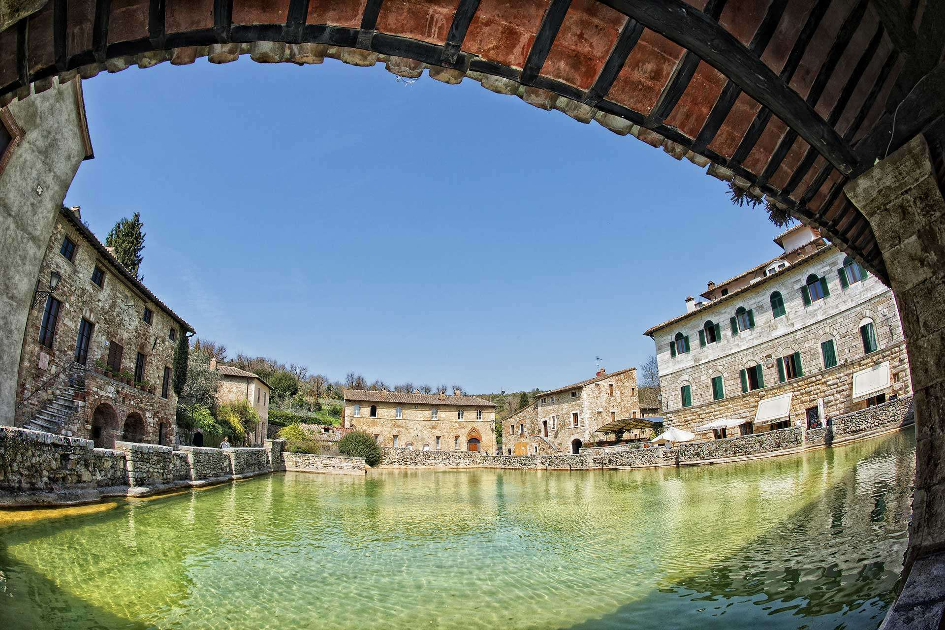 Top 5 Romantic Things to Do in Tuscany