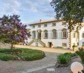 Villa Caprolo, Tuscany. Sleeps: 20