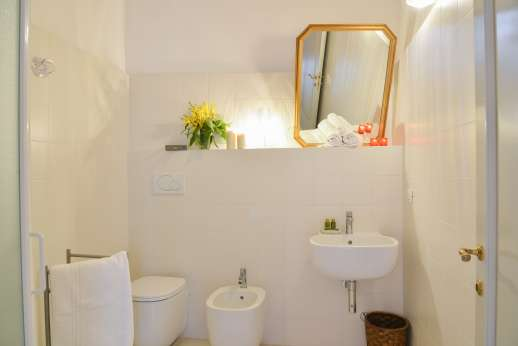 Villa Caprolo - Independent suite with old milling stone