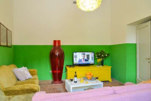 Villa Caprolo - TV room with Satellite TV [Sky channels] and DVD.