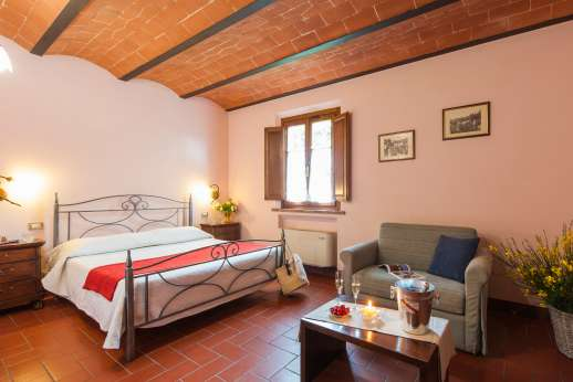 Il Renaccio (x 20 people) with Staff and Cook - All bedrooms at Il Renaccio are air conditioned.