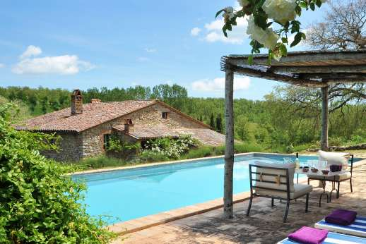 The Rose Barn - The Rose Barn, 7km/4 miles from Montegiove, North of Orvieto, Umbria.