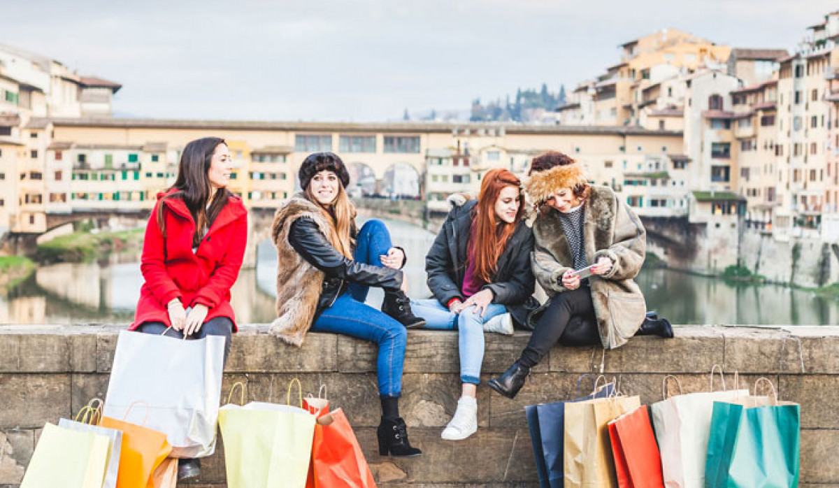 Girls doing shopping in Florence