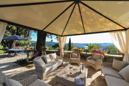 Villa di Pile - Enjoy the magnificent views while enjoying your breakfast