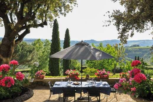 Villa di Pile - Dine al fresco, with breathtaking views.