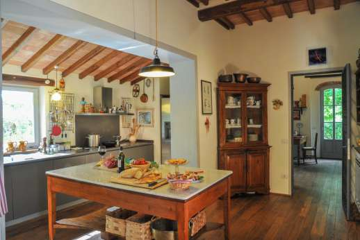 Podere Brogi - In the kitchen there is a pantry and cantina.