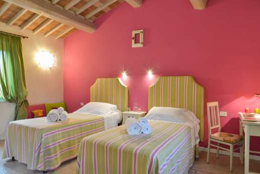 Podere Brogi - Guesthouse air conditioned twin bedroom