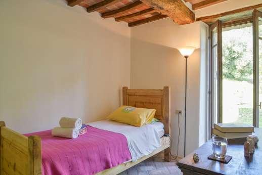 Crocci di Sotto - Ground floor single bedroom.